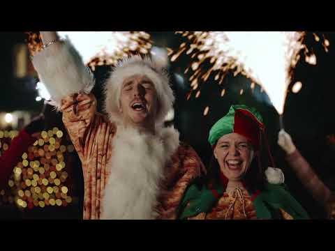 A Sausage CaRoll | Walkers Christmas Advert 2020 | Walkers Crisps